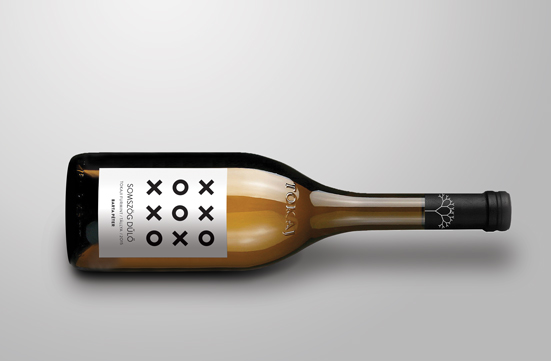 Somszög single vineyard selected dry white wine.
